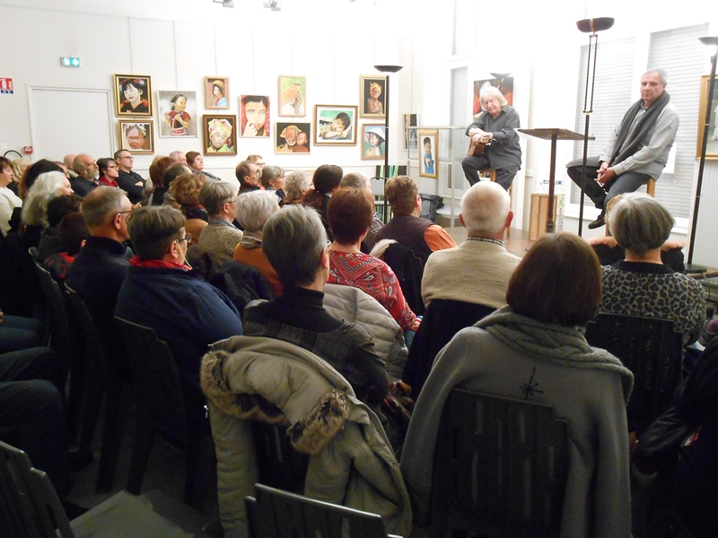 Gilles cherbut et Michel Grange devant leur public