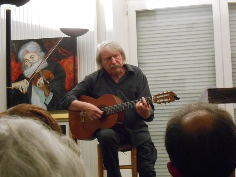 Michel grange à la guitare
